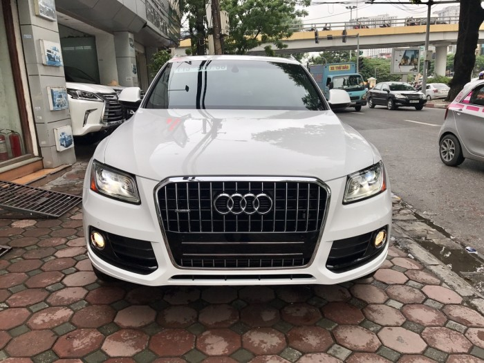 Audi Q5 sản xuất năm 2016 Số tự động Động cơ Xăng
