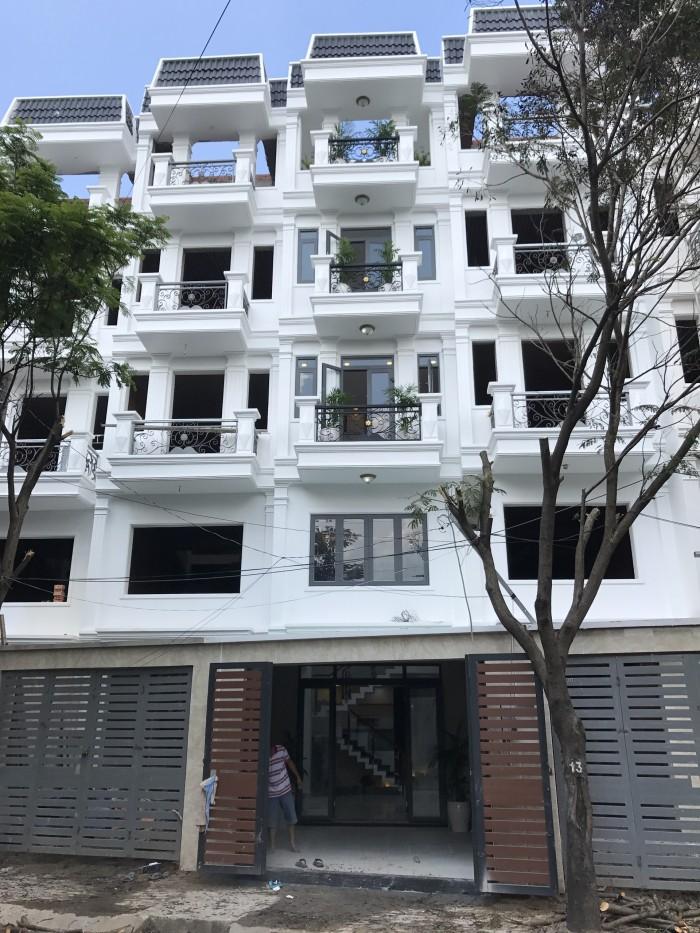 Cần bán nhà đẹp, mặt tiền Thới An 21, cách Lê Văn Khương 100m.