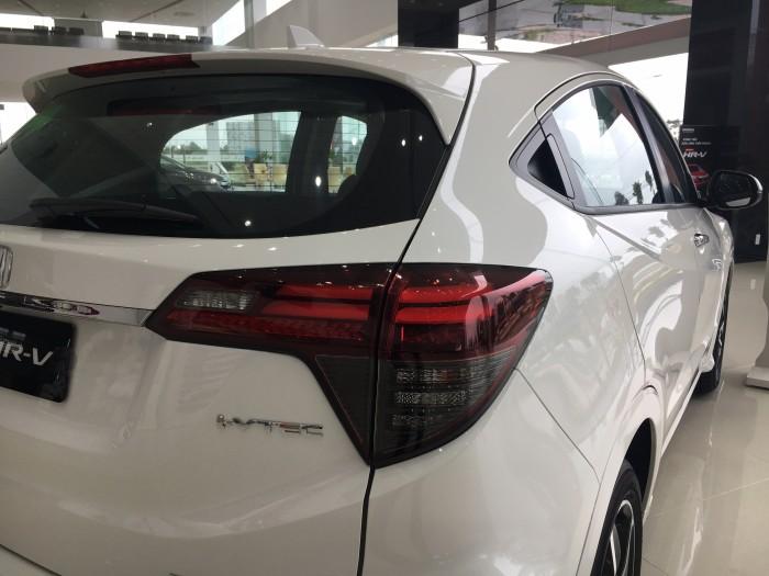 Honda HR-V 1.8 L màu Trắng giao ngay tháng 11
