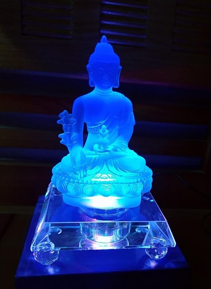 Tượng Phật Dược Sư Lưu Ly Có Đèn Đổi 7 Màu3