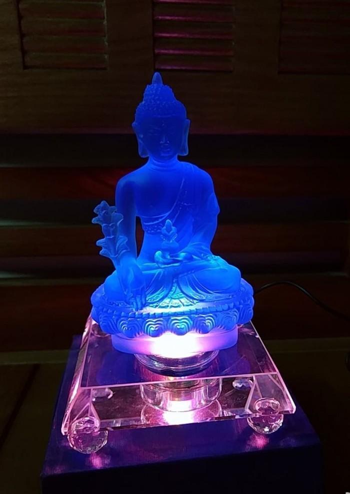 Tượng Phật Dược Sư Lưu Ly Có Đèn Đổi 7 Màu2