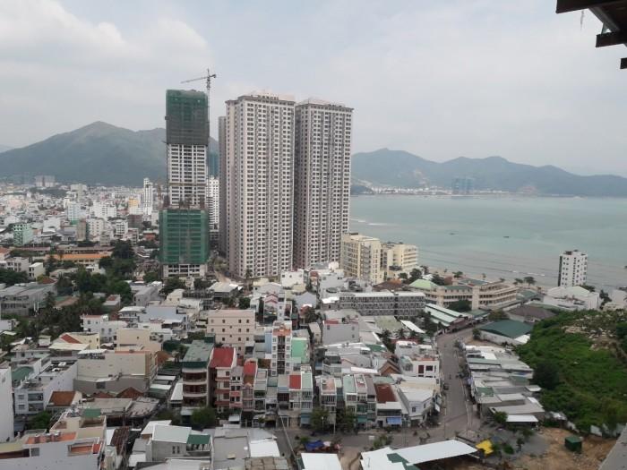 Hết bão, nhà nhà đổ đi mua căn hộ Napoleon Castle Nha Trang
