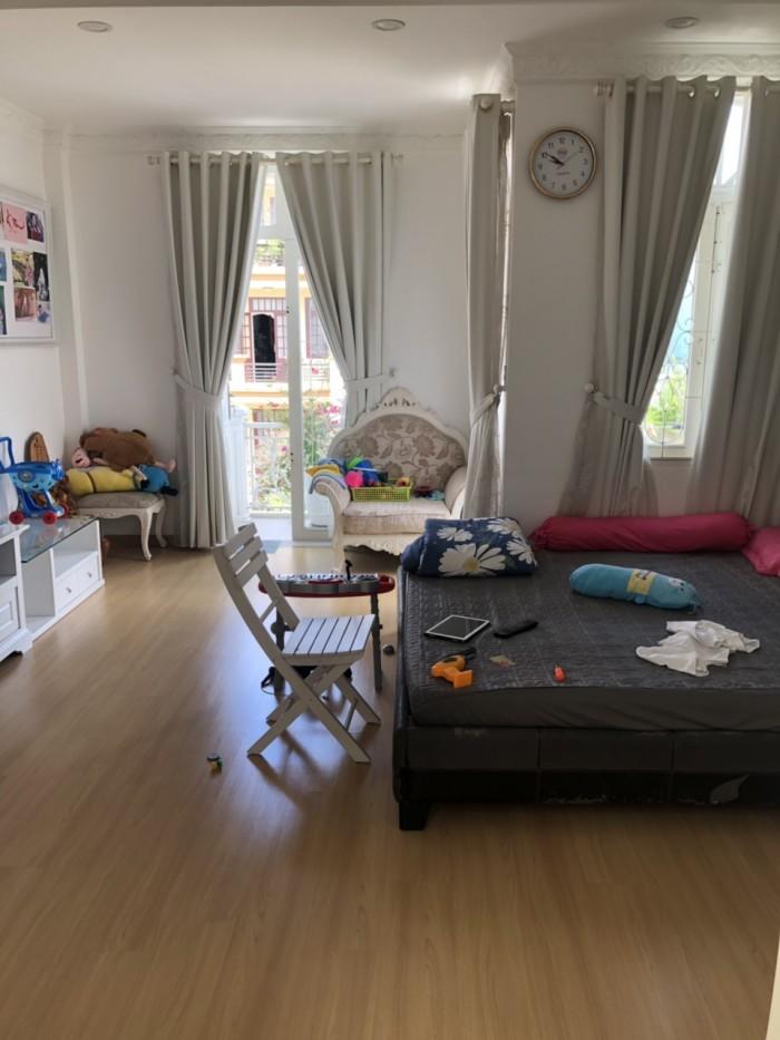 Cần bán gấp nhà mặt tiền đường số 11, phường Tân Kiểng, quận 7
