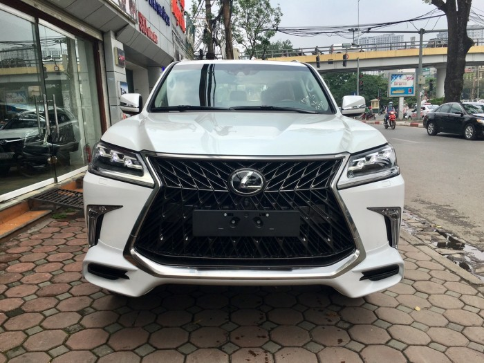 Bán xe Lexus LX 570 Super Sports năm sản xuất 2018, màu trắng, nhập khẩu Trung Đông
