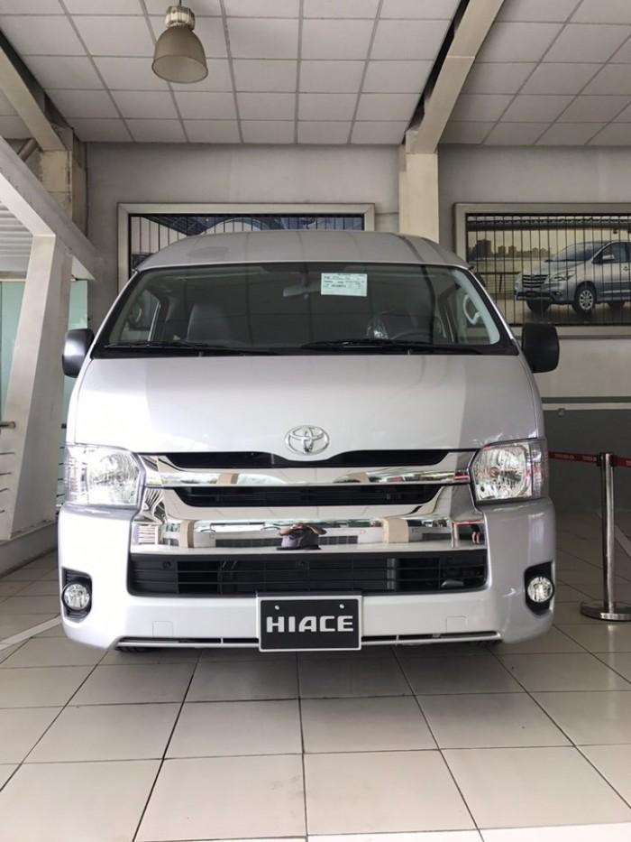 Toyota HiAce 2018, máy dầu, 15 chỗ, giảm 40 triệu, trả trước 250 triệu