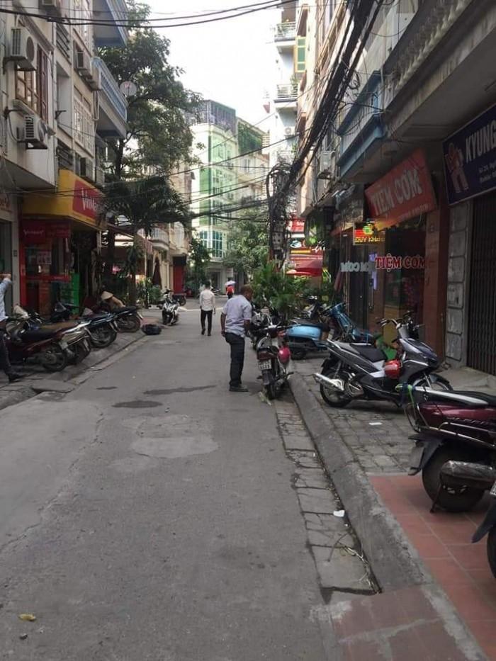 Nguyễn Chánh, nhà mới 8 tầng thang máy, ô tô tránh