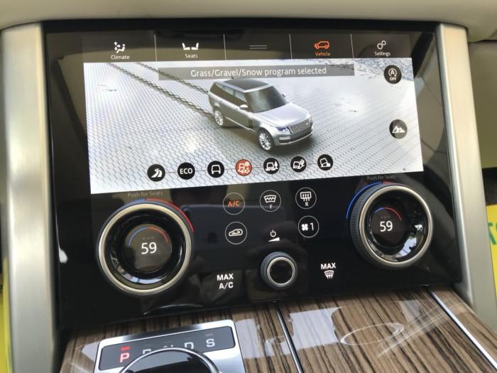 Cần bán xe LandRover Range Rover HSE 3.0 năm sản xuất 2018, màu đen, xe nhập 15