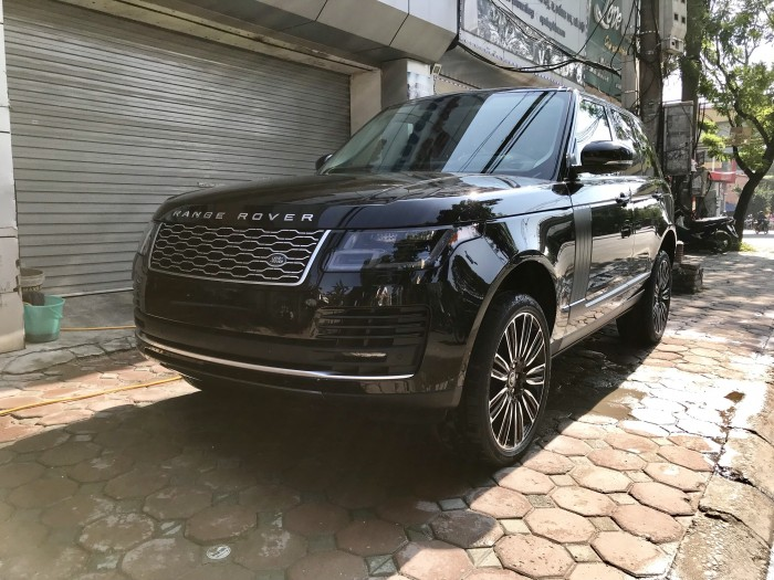 Cần bán xe LandRover Range Rover HSE 3.0 năm sản xuất 2018, màu đen, xe nhập 8