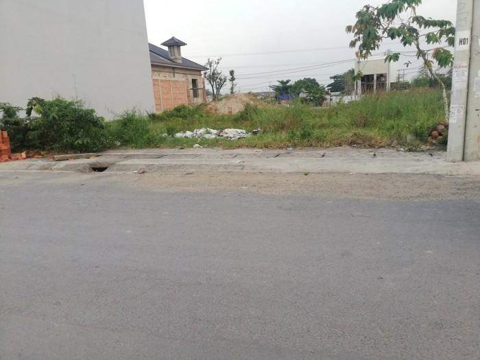 Đất nằm ngay mặt tiền khu dân cư Phú Thịnh, phường Long Bình Tân