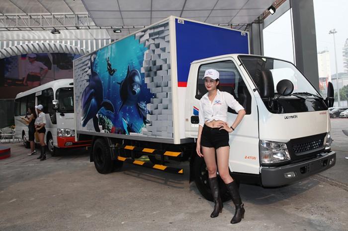 Xe tải Đô Thành Iz49 tải trọng 2,4 tấn vào thành phố, dùng dài 4,2, trả trước 80tr lấy xe ngay, nhiều quà tặng, khuyến mãi hấp dẫn. 0