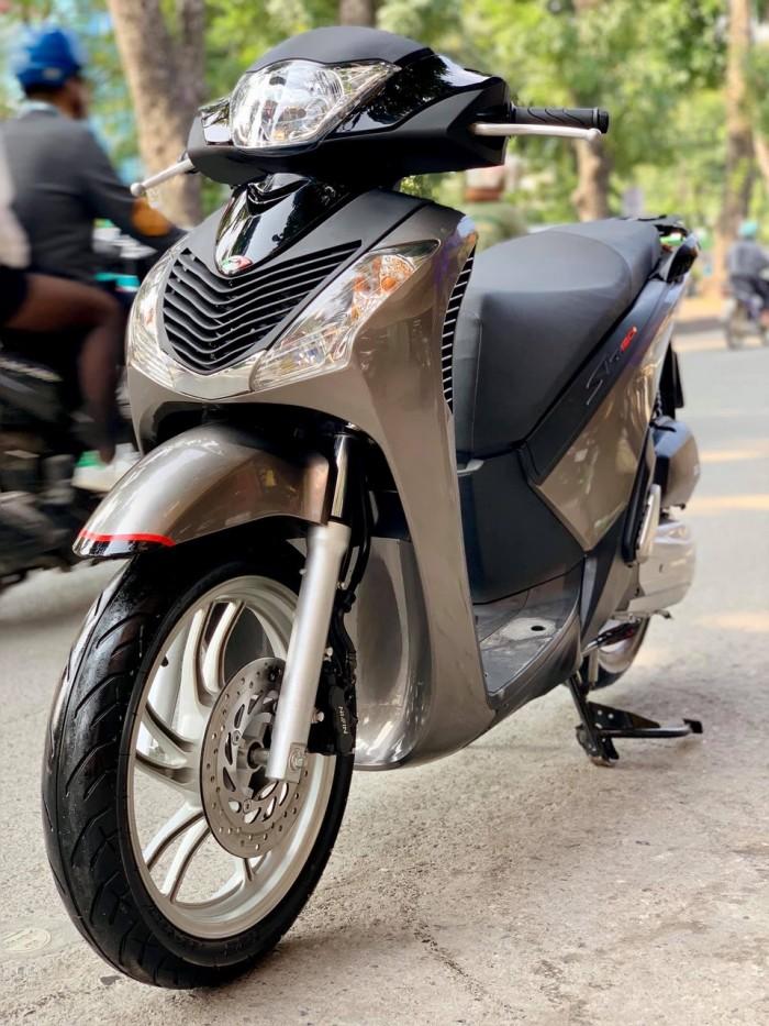 SH Việt 125 Full độ nhập 2015- Giá: 67,5 triệu.