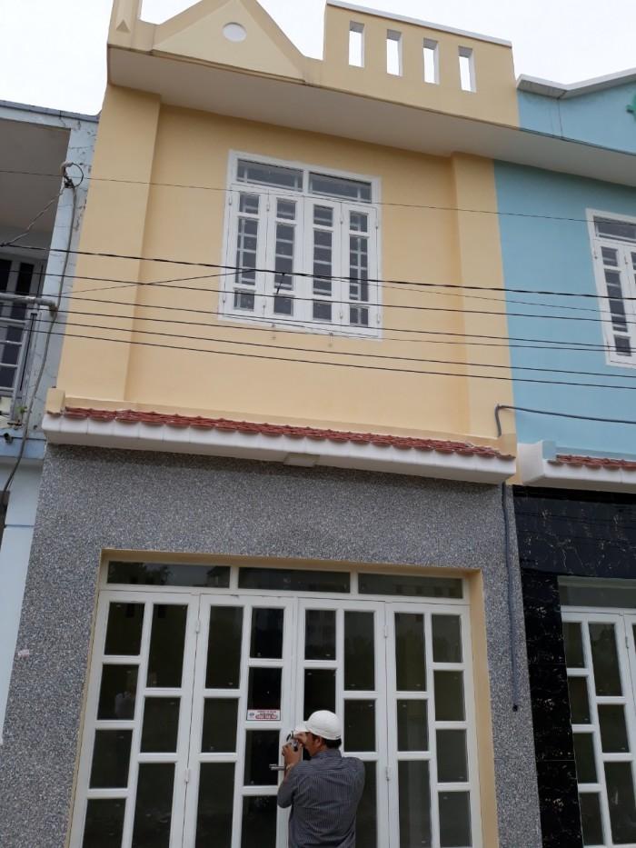 bán gấp căn nhà nhỏ xinh 1 lầu 2pn ngay chợ Hiệp Thành vào 400m