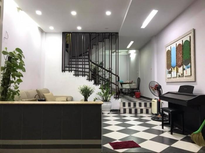 Bán gấp nhà đẹp Phố Thái Hà, quận Đống Đa, về ở luôn, tặng nội thất xịn