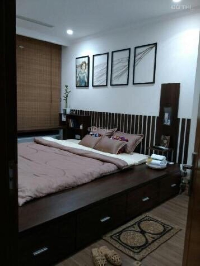 Chính chủ cần bán căn hộ Vinhome Central Park 54m2 tầng 19 view hồ bơi 1pn full nội thất