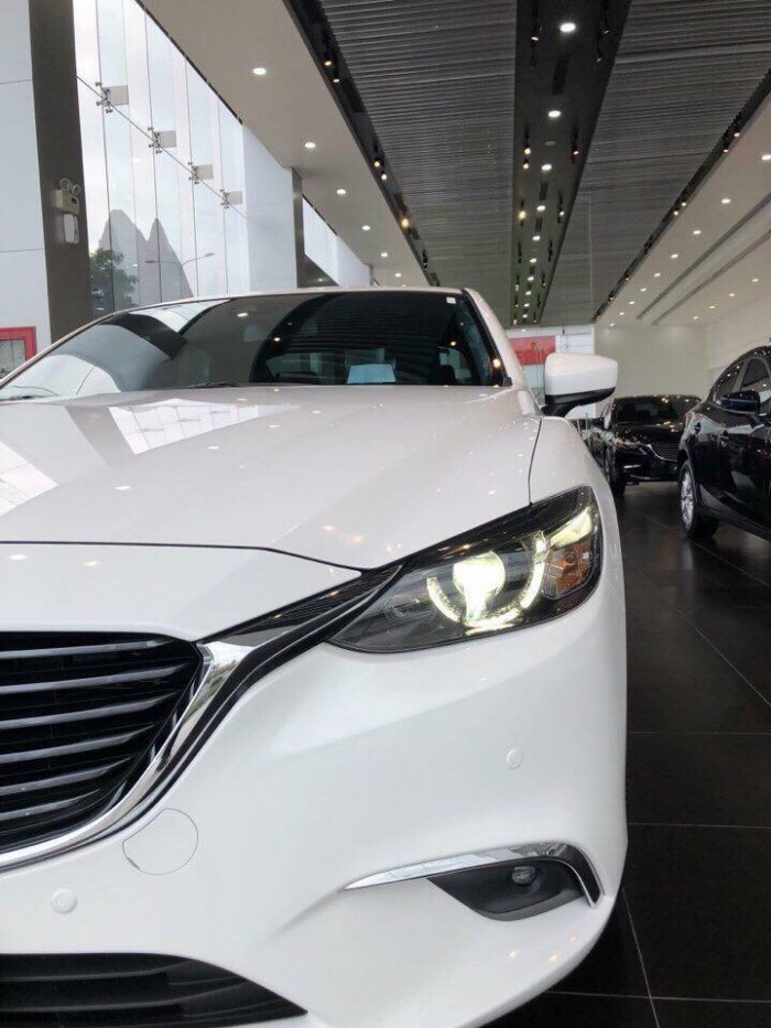 Mazda 6 (Trắng 25D1) - Đủ Màu Giao Ngay - LH Hotline Nhận Giá Tốt Nhất