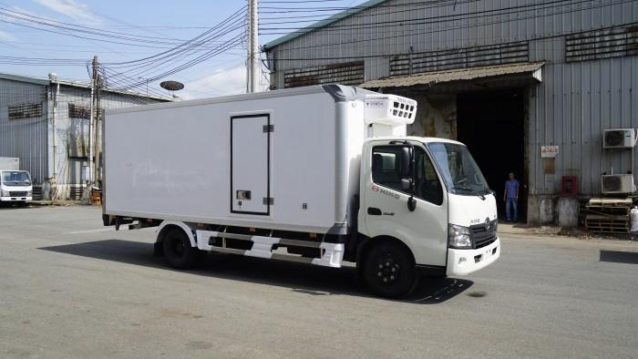 Xe tải Hino XZU720L 3.5 tấn thùng đông lạnh, trả trước 100 triệu lấy xe trong ngày - Gọi 0978015468 (MrGiang 24/24)