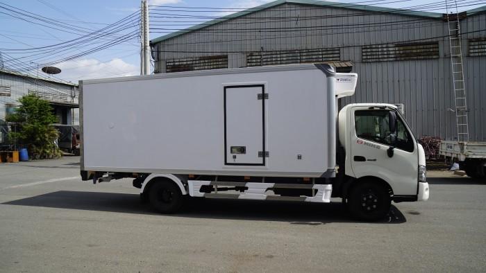 Giá xe tải Hino XZU720L 3.5 tấn thùng đông lạnh, trả trước 100 triệu lấy xe trong ngày - Gọi 0978015468 (MrGiang 24/24)