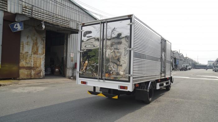 Giá xe tải Hino XZU730L 4.5 tấn thùng kín inox, trả trước 100 triệu giao xe trong ngày - Gọi 0978015468 (MrGiang 24/24)