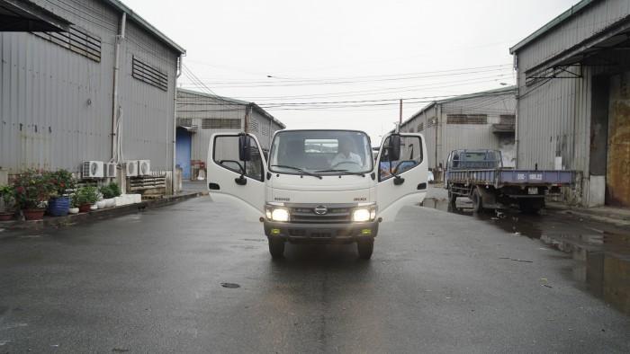 Giá xe tải Hino XZU730L 5 tấn thùng lửng, trả tru100 triệu giao xe trong ngày - Gọi 0978015468 (MrGiang 24/24)