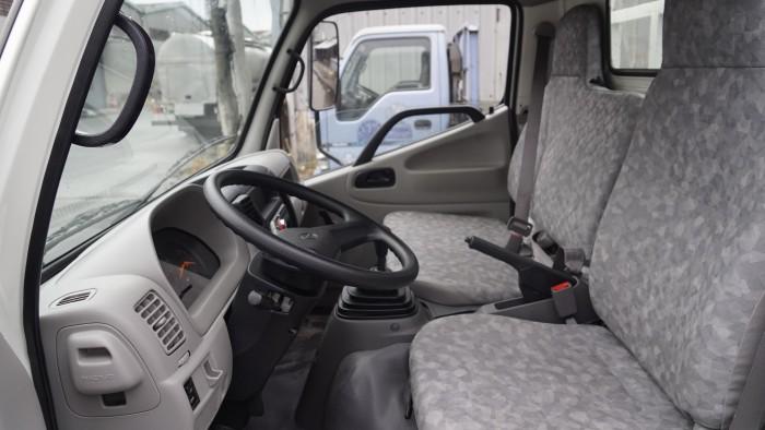 Xe tải Hino XZU730L 5 tấn thùng bảo ôn, trả trước 100 triệu giao xe trong ngày 1