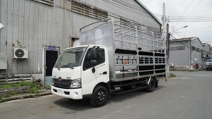 Xe tải Hino XZU730L 5 tấn thùng 2 tầng chở xe máy - Gọi 0978015468 (MrGiang 24/24)