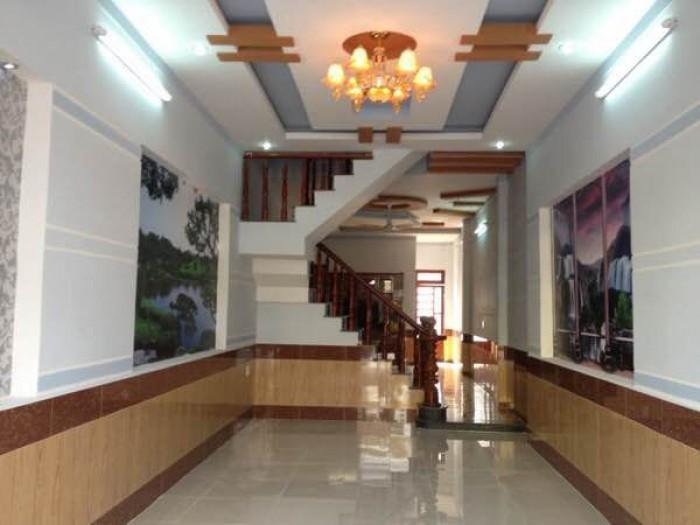 Gấp! Cho thuê nhà mặt phố 4 tầng tại Long Biên, xem ngay!