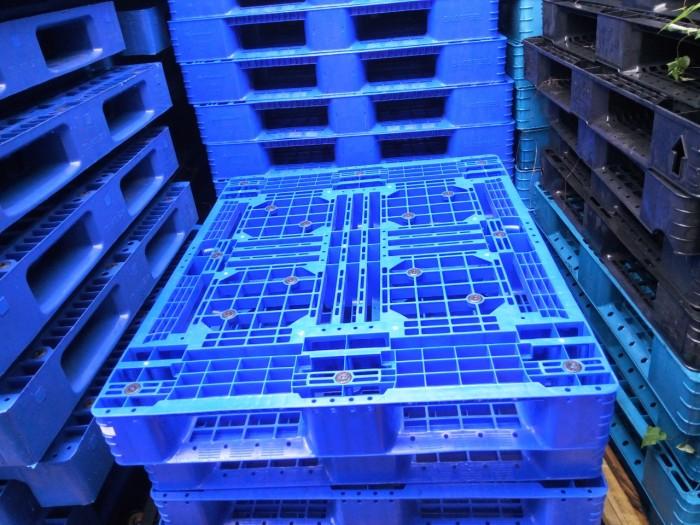 pallet nhựa xanh 1100x970x150mm2