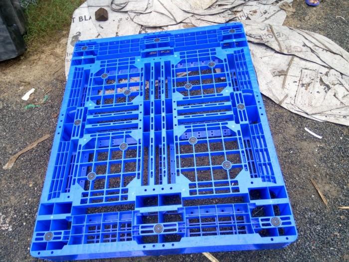 pallet nhựa xanh 1100x970x150mm1