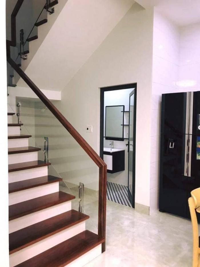 Đẳng cấp chuyên nghiệp, sang trọng với nhà thuê 5 tầng tại Cổ Linh.