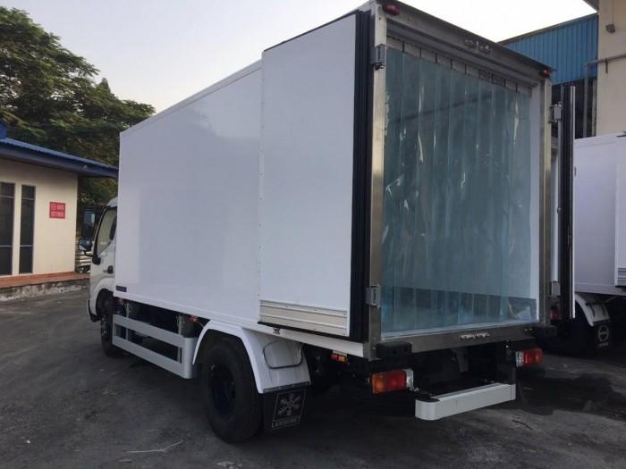 Xe tải Hino XZU650L 1.5 tấn thùng đông lạnh, trả trước 100 triệu giao xe trong ngày 2