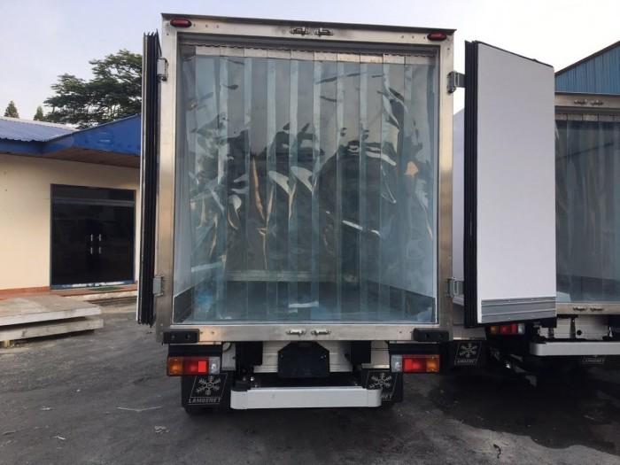 Xe tải Hino XZU650L 1.5 tấn thùng đông lạnh, trả trước 100 triệu giao xe ngay