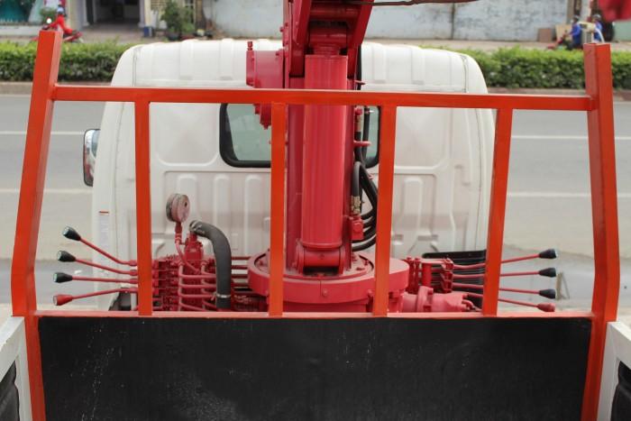 Xe tải cẩu Hino XZU650L 1.5 tấn gắn cẩu Unic 3 tấn