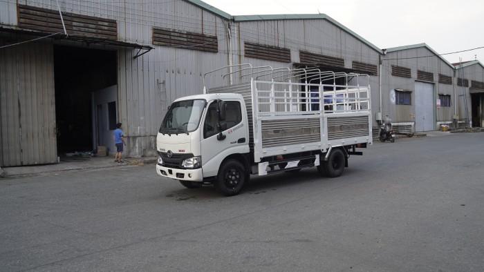 Xe tải Hino XZU650L 1.6 tấn thùng mui bạt, trả trước 100 triệu giao xe ngay - Gọi 0978015468 (MrGiang 24/24)
