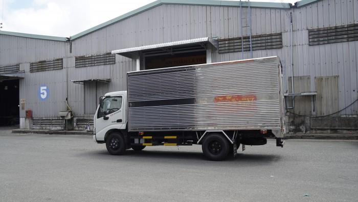 Xe tải Hino XZU650L 1.5 tấn thùng kín inox, trả trước 100 triệu giao xe trong ngày - Gọi 0978015468 (MrGiang 24/24)