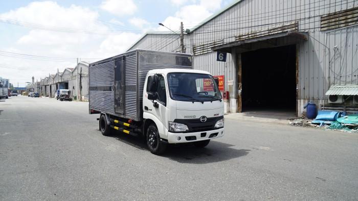 Giá xe tải Hino XZU650L 1.5 tấn thùng kín inox, trả trước 100 triệu giao xe trong ngày - Gọi 0978015468 (MrGiang 24/24)