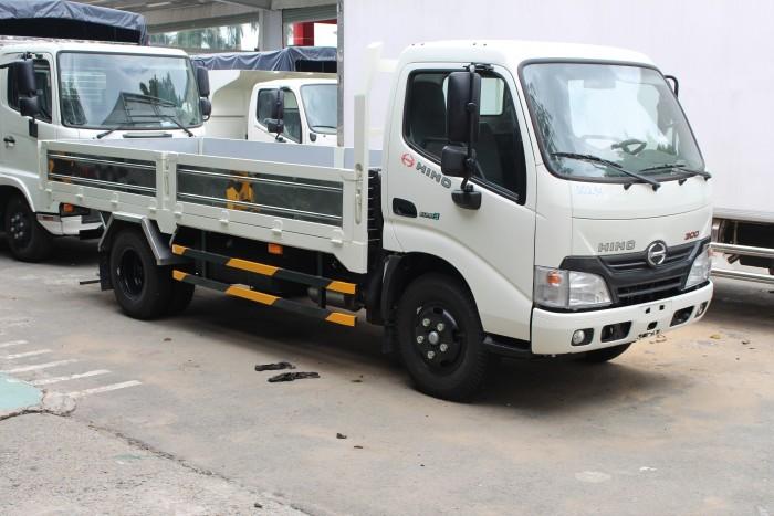 Xe tải Hino XZU650L 1.9 tấn thùng lửng, trả trước 100 triệu có xe giao trong ngày - Gọi 0978015468 (MrGiang 24/24)