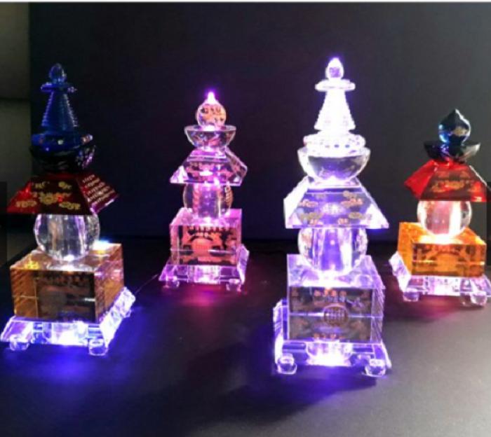 Tháp xá lợi pha lê có đèn đổi 7 màu8