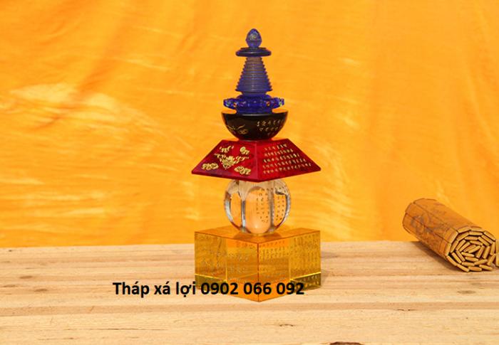 Tháp xá lợi pha lê có đèn đổi 7 màu4