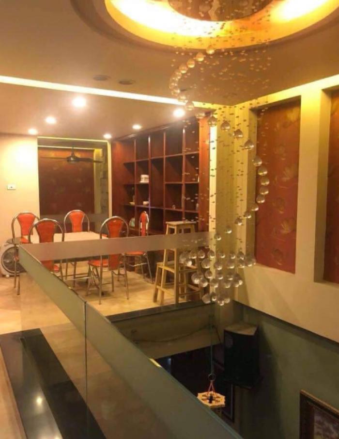 Bán nhà kinh doanh Văn Phòng sát Hồ Phương Mai. 50m2 x 8 tầng
