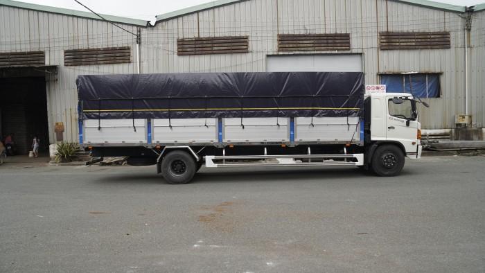 Xe tải Hino FG 8.2 tấn thùng mui bạt, trả trước 100 triệu có xe giao ngay - Gọi 0978015468 (MrGiang 24/24)