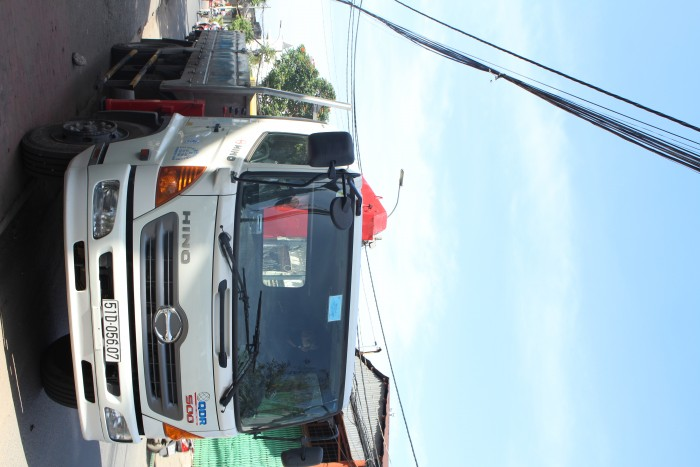 Xe tải gắn cẩu Hino FG 7.5 tấn gắn cẩu Unic URV340 3 tấn 3