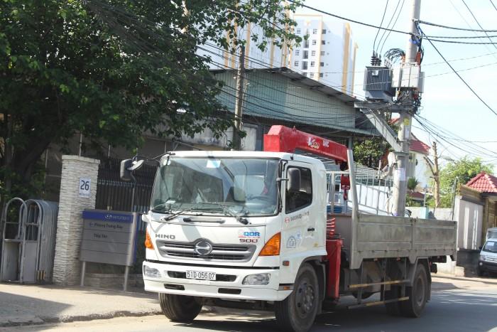 Xe tải gắn cẩu Hino FG 7.5 tấn gắn cẩu Unic URV340 3 tấn 1
