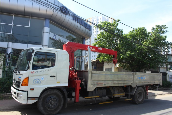 Xe tải gắn cẩu Hino FG 7.5 tấn gắn cẩu Unic URV340 3 tấn 0