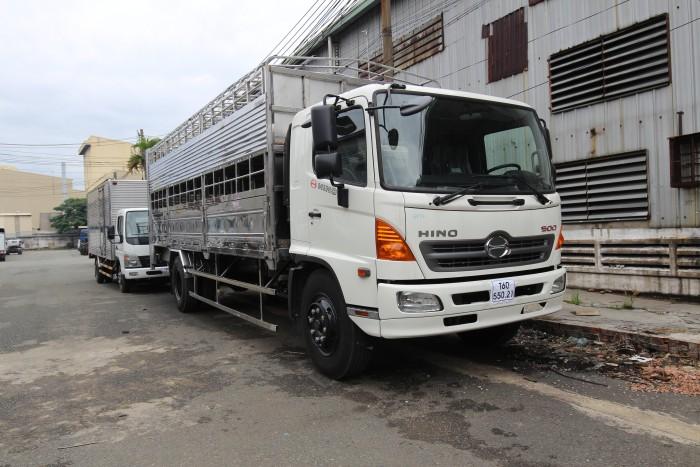 Giá xe tải Hino FG 8 tấn thùng chở heo, trả trước 100 triệu giao xe ngay - Gọi 0978015468 (MrGiang 24/24)