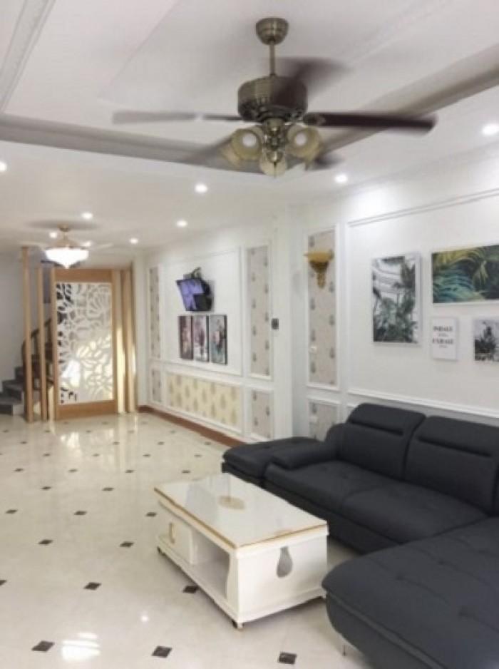 Nhà 34m2 5 tầng 4 phòng siêu rộng Quang Trung