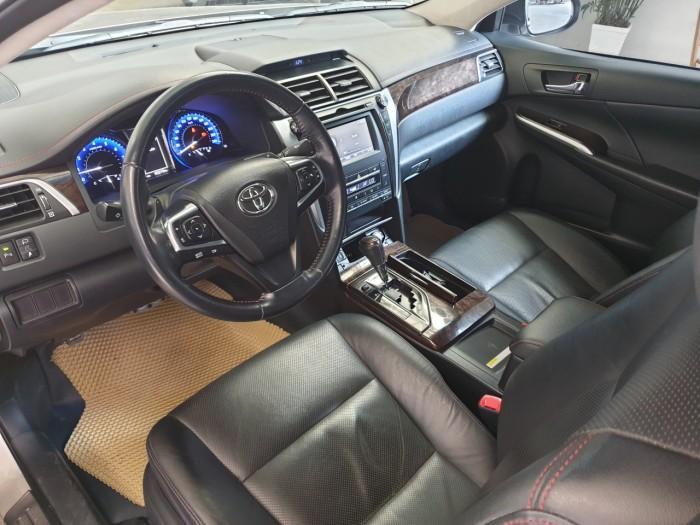 Bán xe Camry 2.5Q sản xuất 2015 màu nâu, chạy 45.000km siêu đẹp