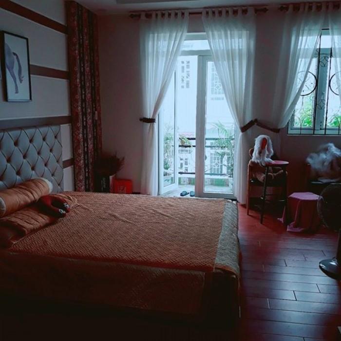 Bán Khách sạn kinh doanh 20 phòng, Phường 4 Tân Bình