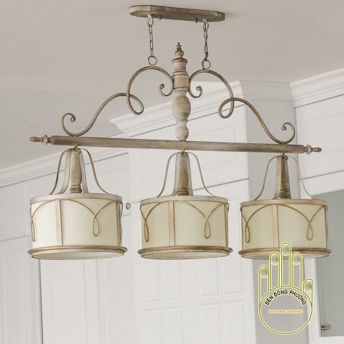 Đèn chùm sắt cổ điển Châu Âu giá cực tốt tại Q.9.Tp.HCM