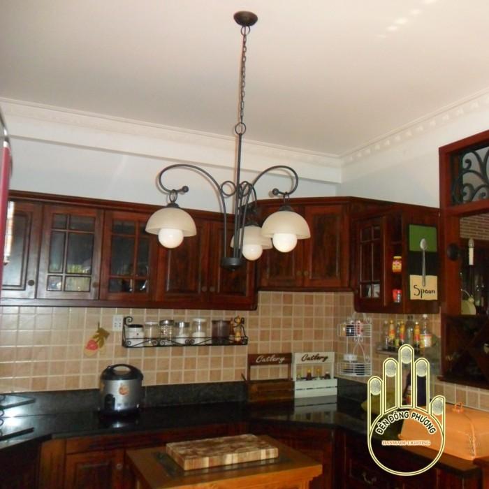 Đèn chùm sắt cổ điển 3 bóng cho phòng ăn0