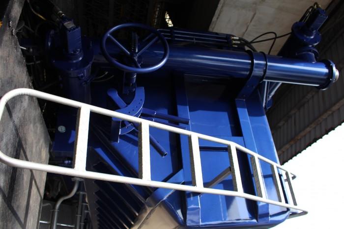 Xe tải Hino FC 9 khối chở thức ăn chăn nuôi, trả trước 100 triệu nhận xe ngay 7